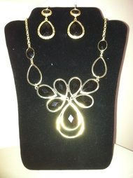 trendy necklaces and pendents